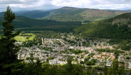 The town (burgh) of Ballater. Photo credit and copyright: Aberdeenshire Council